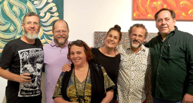 Elmo Malik, Márcio Goldzweig, Moema White Boy, Lina Rivera, Paul White and Jung Sheldon. Photo: Jorge Calfo.