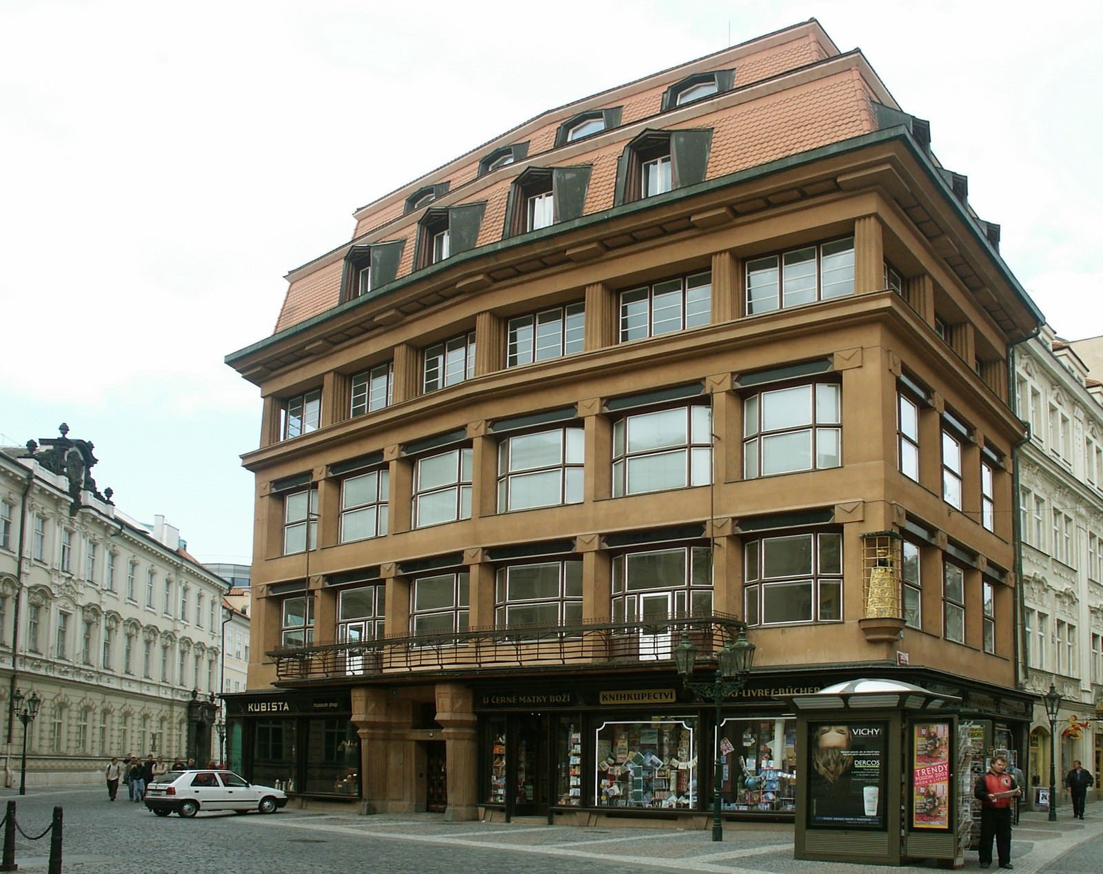 Fig. 1 – Casa da Virgem Negra, Museu de Artes Decorativas. Prague.eu: The Official Tourist Website for Prague. Foto: Ondrej Kocourek.