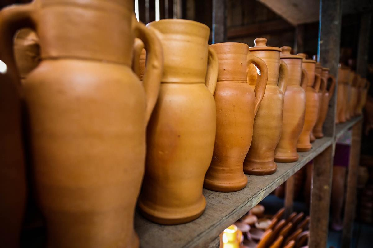 Utilitarian ceramic works by Ciro Croelhas, of Spanish Pottery. Photo: Disclosure.